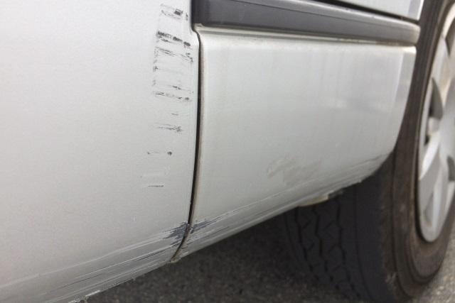 ボディカバーで大切なお車を傷から守る!~車につきやすい傷にはどんなものがある?~