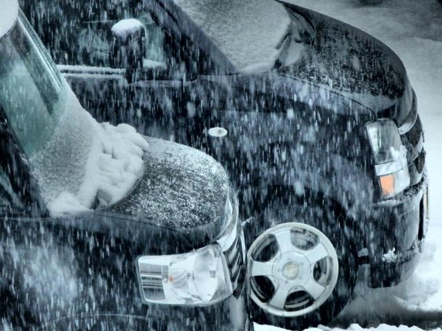自動車専用ボディカバーは防水・UVカットだけでなく通気性にも優れたカバーランド製品を